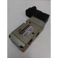 Distributor Solenoid Valve VP 542 SMC Silinder 3