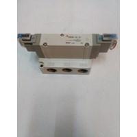 Distributor SOLENOID VALVE  SY9240-2G-04 SMC Silinder 3