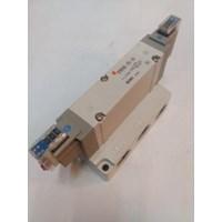 SOLENOID VALVE  SY9240-2G-04 SMC Silinder 1