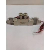 Distributor Solenoid Valve SMC  SY 5220- 5LZD- C8  3
