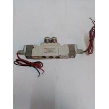 SOLENOID VALVE SMC  SY 5220- 5LZD- C8