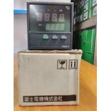 Temperatur Kontrol PXW7TCY2 Fuji Electric