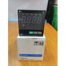 TEMPERATURE CONTROLLER FUJI PXR7TCY1-1V000-A