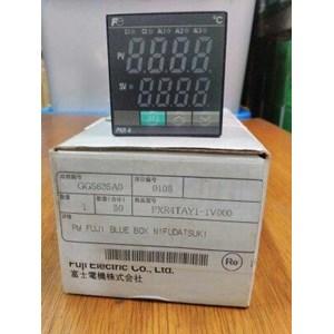 TEMPERATURE CONTROLLER  PXR4TAY1 FUJI ELECTRIC