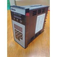 Distributor  Temperature Controller RC-620-R E Shinko  3