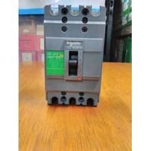 MCCB SCHNEIDER EZC100F3015