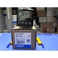 Temperature Controller Omron E5CN Q2HBT