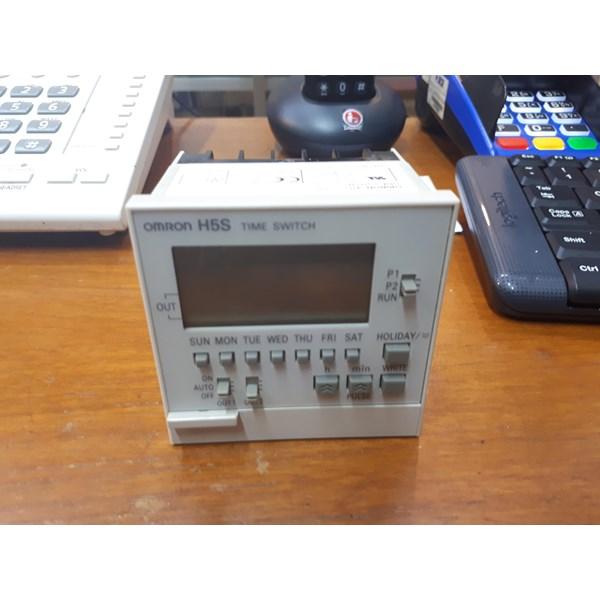 Digital Timer Omron  H5S-WB2