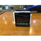 TEMPERATURE CONTROLLER  E5CN QMT 500 OMRON 2