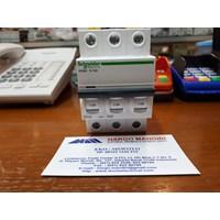 MCB / Miniature Circuit Breaker iC60H 3P 10A Schneider
