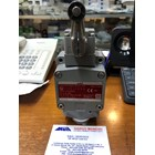LIMIT SWITCH 1LX7001 AZBIL  2