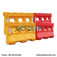 Distributor Road Barrier Plastic  3