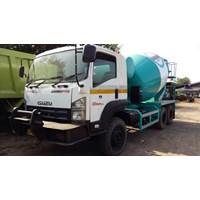 Truck Mixer Isuzu Giga FVZ 285PS Kapasitas 7 Meter Kubik Thn 2012