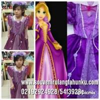 kostum princess rapunzel