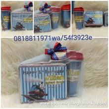 Kotak kaleng tumbler