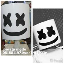 Pinata Personalized DJ Marshmellow 3D