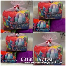 Bantal Yelvo Uk. 40x30 Tema Trolls