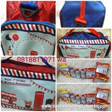 Travel Bag dan Snack Tema London