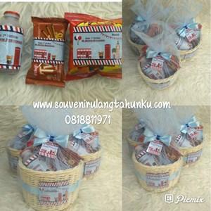 Paket Snack dan Rotan Tema London 2