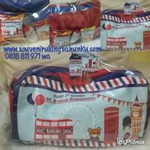 Travel Bag dan Snack Tema London 2
