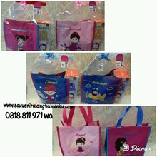 Souvenir Tote Bag dan Drink Bottle