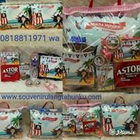 Jual Souvenir Bantal Printing Kulit 40x30 dan Snack 6 Macam
