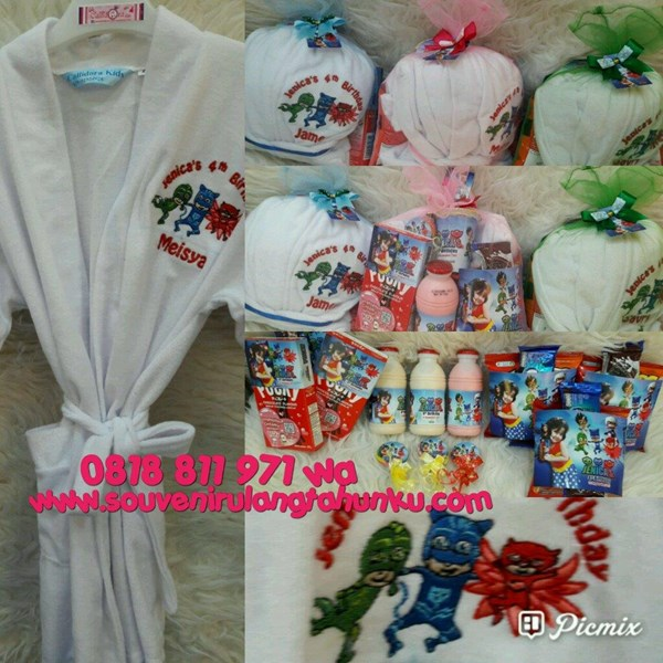 Souvenir Kimono Bordir dan Snack 6 Macam