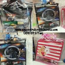 Souvenir Tas Mika Printing Tema Barbie dan Transformers dan Snack 4 Macam