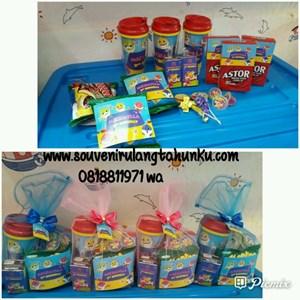 Paket Souvenir Tumbler dan Snack 6 Macam Tema Baby Shark