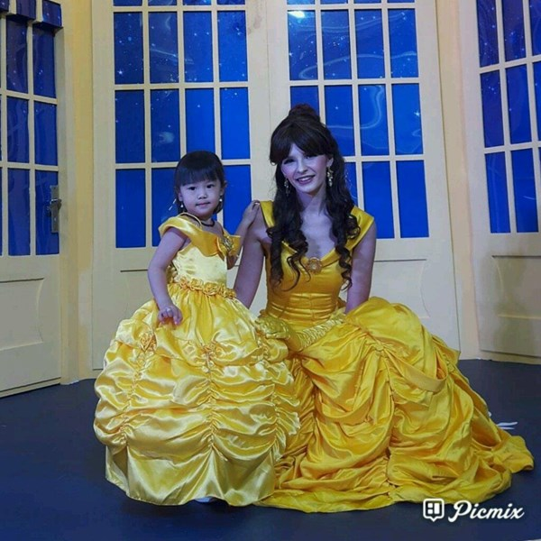 Kostum Belle