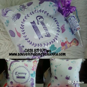 Souvenir Bantal 2 Sisi  uk 30x30