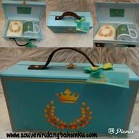 Paket Souvenir Box Koper Rotan dgn Handuk Bordir dan Mug Printing