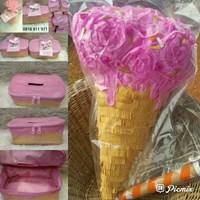 Pinata tissue box