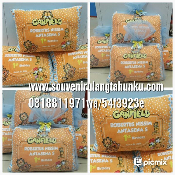Souvenir bantal tile