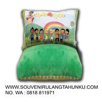 Souvenir pillow upin ipin