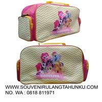 Souvenir litle pony kuning travel bag besar
