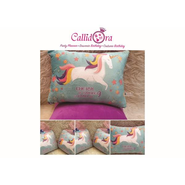 Souvenir Bantal unicorn