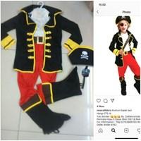 souvenir of pirate costume