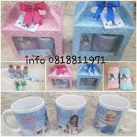 Paket souvenir frozen handuk +mug+snack