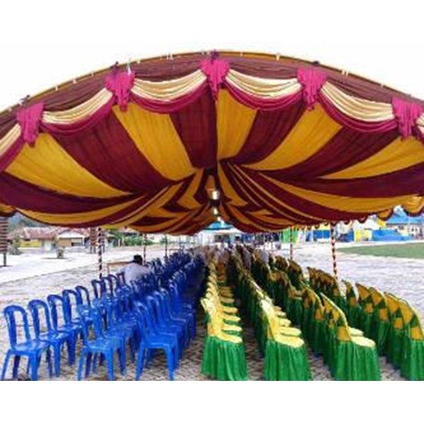 Plafon tenda dekorasi pesta