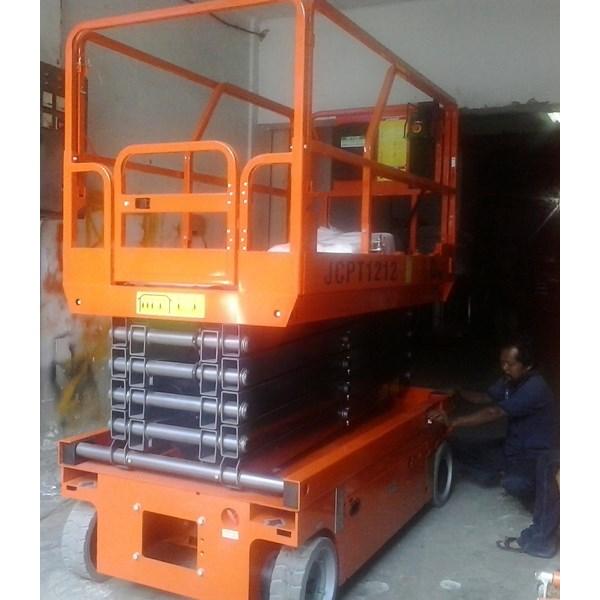 Scissor Lift Electric Work Platform.
