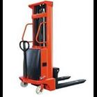 Semi-electric Stacker Merk AMJLift 2