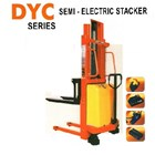Semi-electric Stacker Merk AMJLift 7