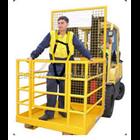 Personal Platform Cargo dengan Forklift 4