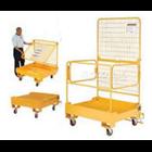Personal Platform Cargo dengan Forklift 2