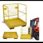 Personal Platform Cargo dengan Forklift 3
