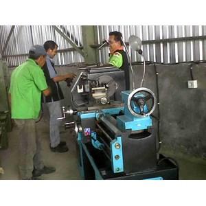 Tehnik Industri Bubut Dan Pengelasan By Putera Lobang Mandiri