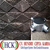 Circular Surface Box Atau Tee Dost Cabang 4 Steel (Type G) Terdapat DRAT