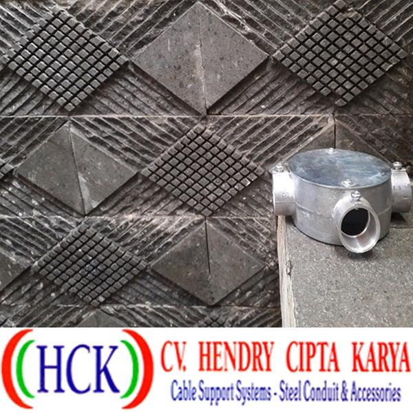 Circular Surface Box Atau Tee Dost Cabang 3 Alumunium (Type E)