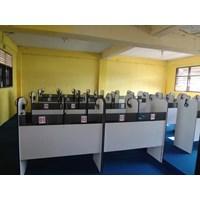 Meja Komputer Lab Bahasa
